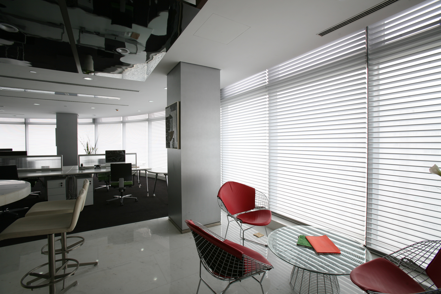 Pleated Roller Shades White (1)